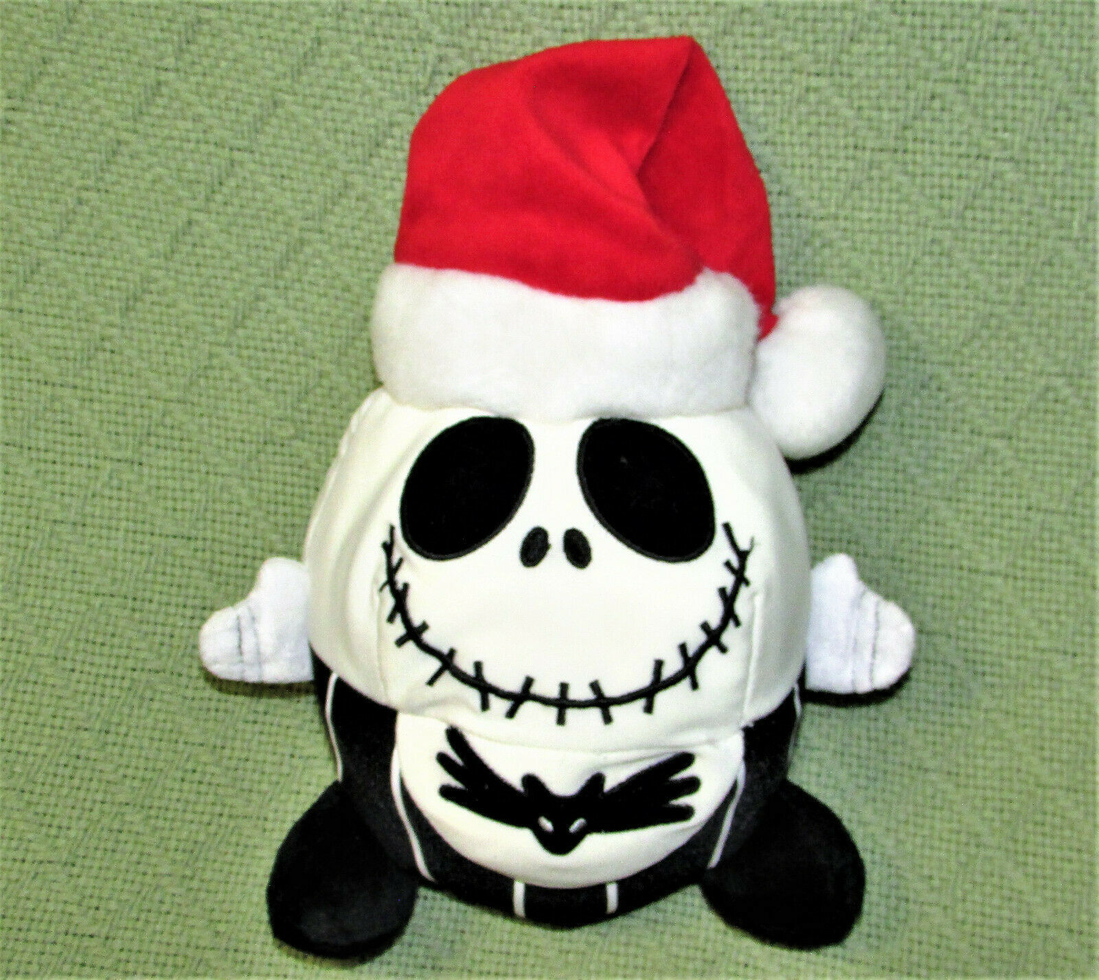 """DISNEY JACK SKELLINGTON SANTA PLUSH NIGHTMARE BEFORE CHRISTMAS 8"""" ROUND PLUSH"""