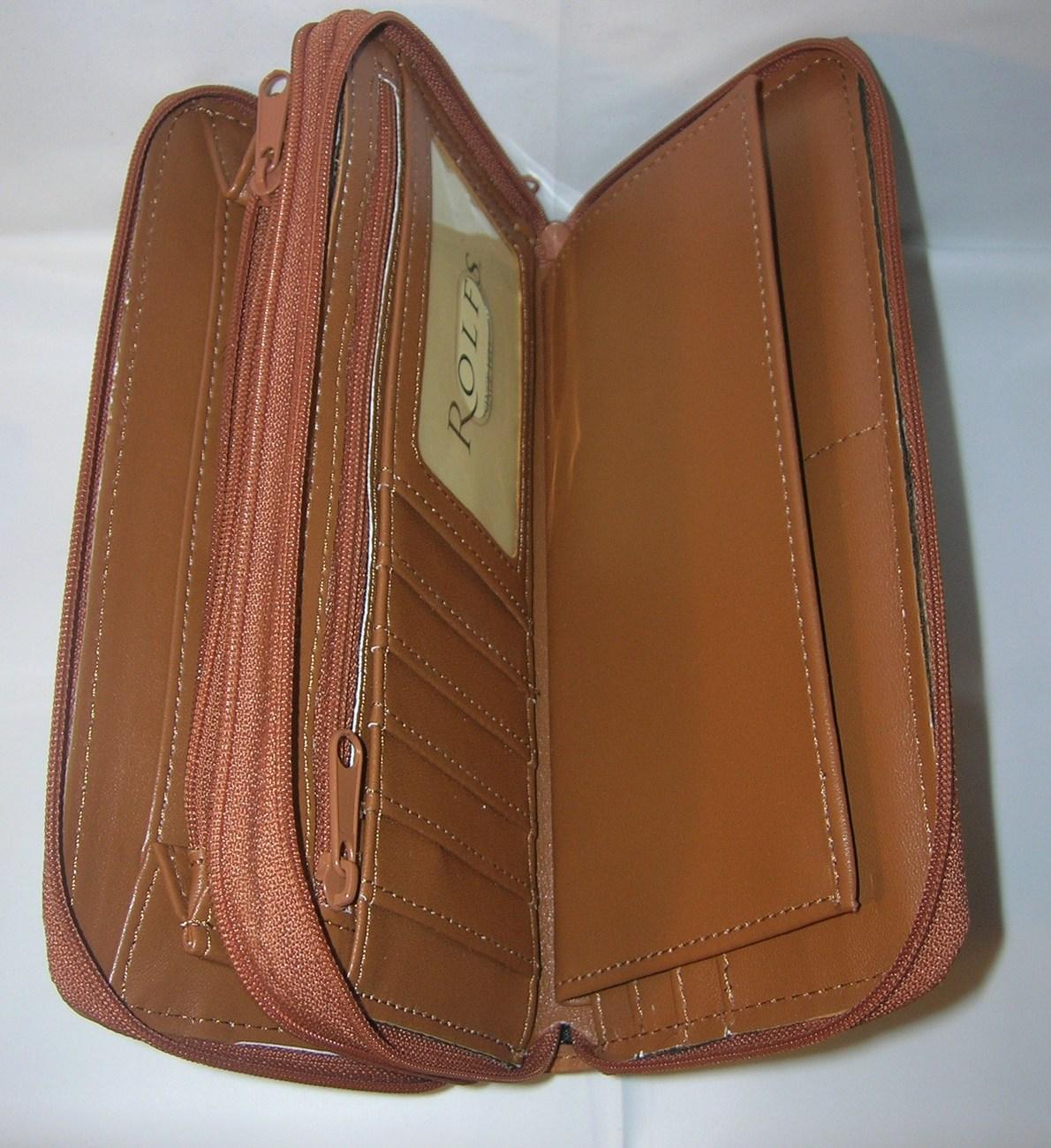 Small Classic Zip Around Wallet | Zip around wallet