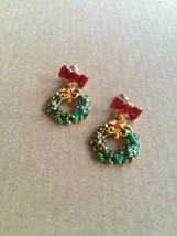 90s Vintage Christmas Wreath and Bow Red & Green Holly Enamel Dangle Pos... - $12.00