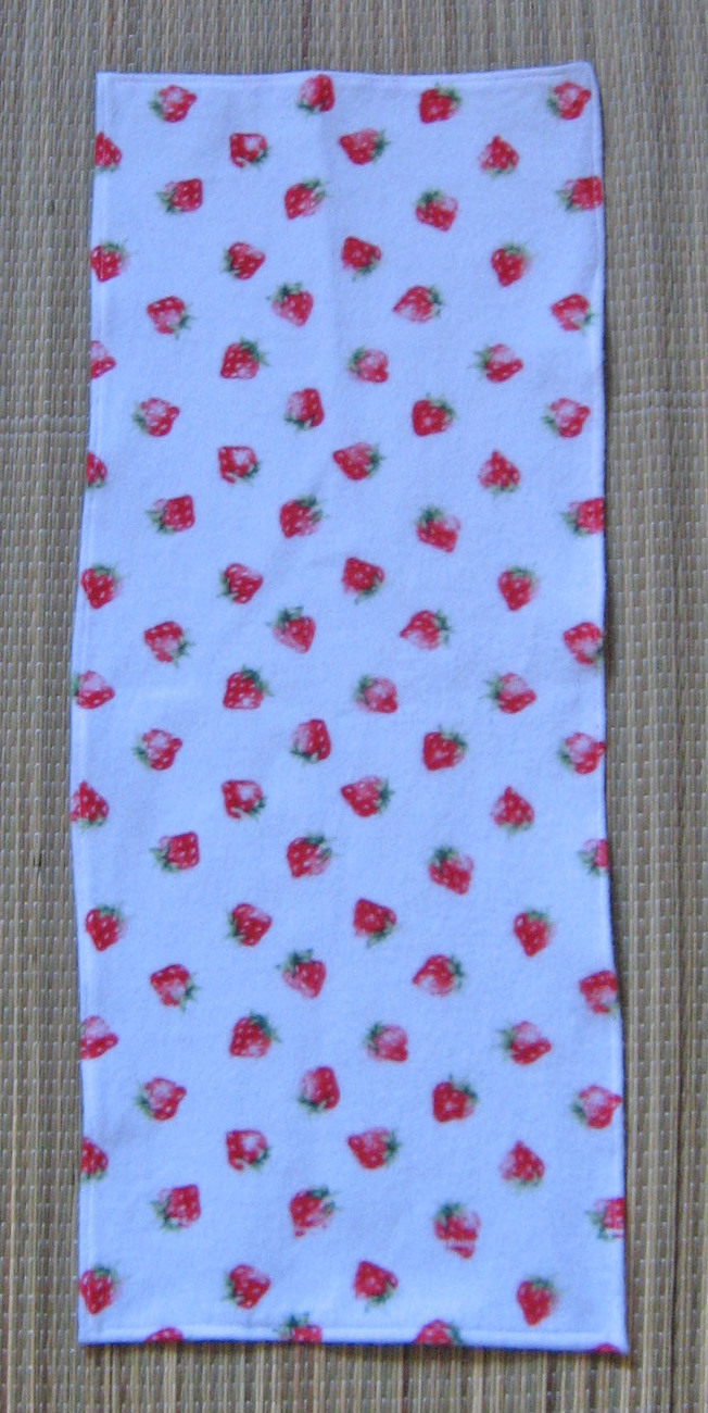 Violin Blanket/Flannel Strawberry Print/Fiddle/1/8 Size/Children's