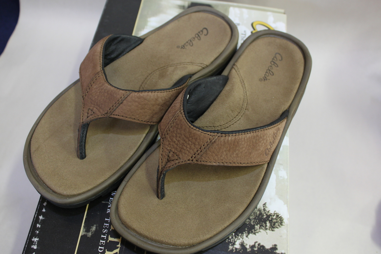 e7c46c3d1c76 Cabela s Men s Tahoe Thong Leather Sandals 8 and similar items. Img 3073