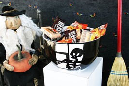 CRATE AND BARREL LARGE SKELETON TREAT BOWL HE'S A REAL PANE, DOWN TO THE... - $54.95