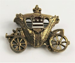 ESTATE VINTAGE Jewelry FIGURAL CARRIAGE WITH ENAMEL CREST BROOCH - $10.00
