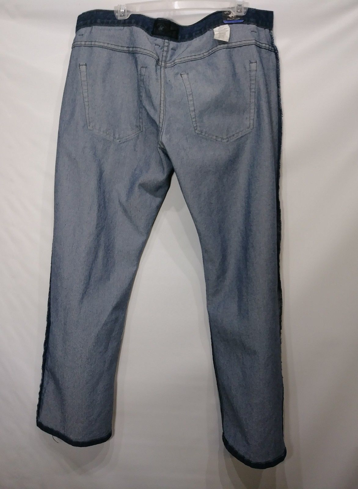 BEVERLY HILLS POLO CLUB MEN'S DENIM BLUE JEANS SIZE 38 X 32L MSRP $46