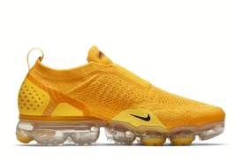 NIKE Air VaporMax Moc 2 Men's Running Shoes Yellow Gold - $174.83+