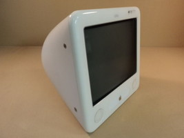 Apple eMac 17in 1GHz PowerMac PowerPC G4 White 80GB Hard Drive A1002 EMC... - $126.54