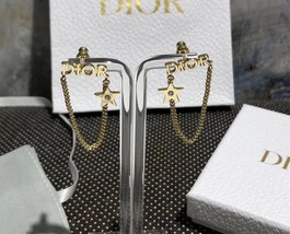 NEW AUTH Christian Dior 2019 DIO(R)EVOLUTION EARRINGS GOLD STAR CRYSTAL DANGLE image 3