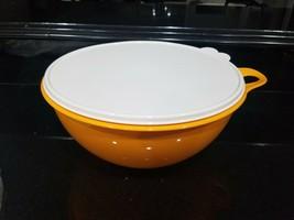 NEW Tupperware Thatsa Bowl PAPAYA orange bowl White seal 32 Cups VERY LA... - $32.74