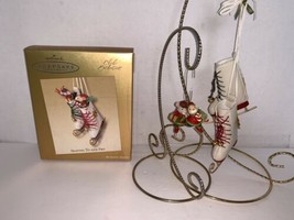 """Hallmark Keepsake Ornament Club Exclusive """"Skating To and Fro"""" 2003 - $10.00"""