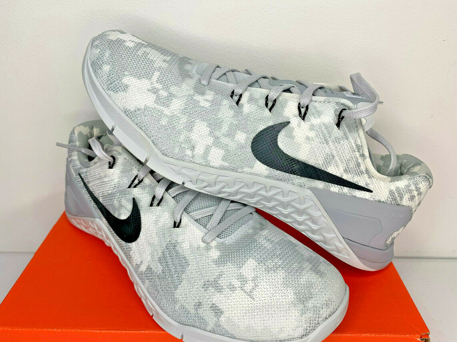 NIB NIKE METCON 3 CAMO Men/'s Shoe 852928 100 White//Grey ALL SIZES-AUTHENTIC