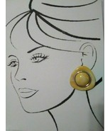 VINTAGE CLIP BUTTON STYLE EARRINGS MARBELIZED YELLOW TRIANGLES W/ ROUND CENTER - $20.00