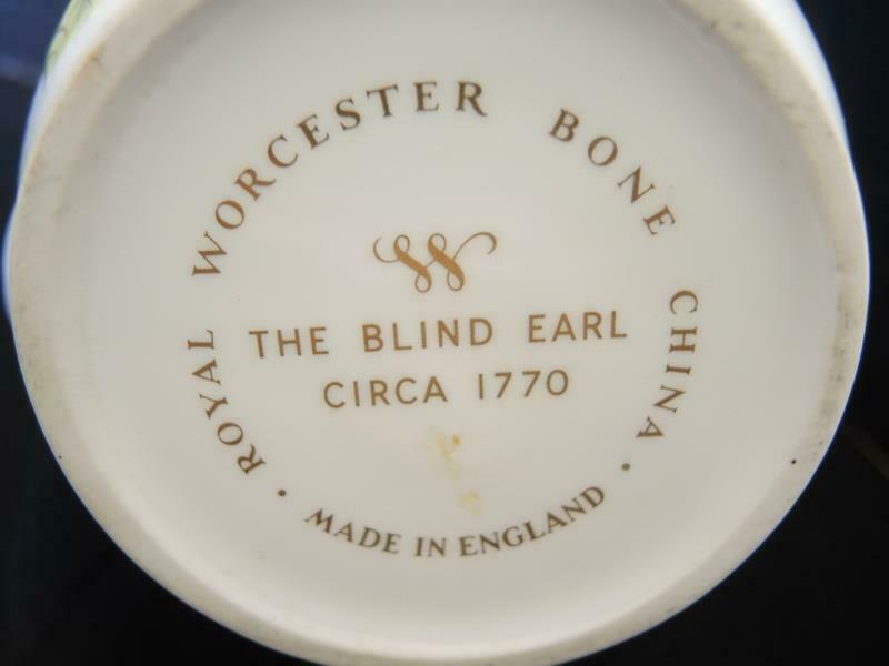 Royal Worcester 4 Cup Tea Pot - The Blind Earl Pattern image 9