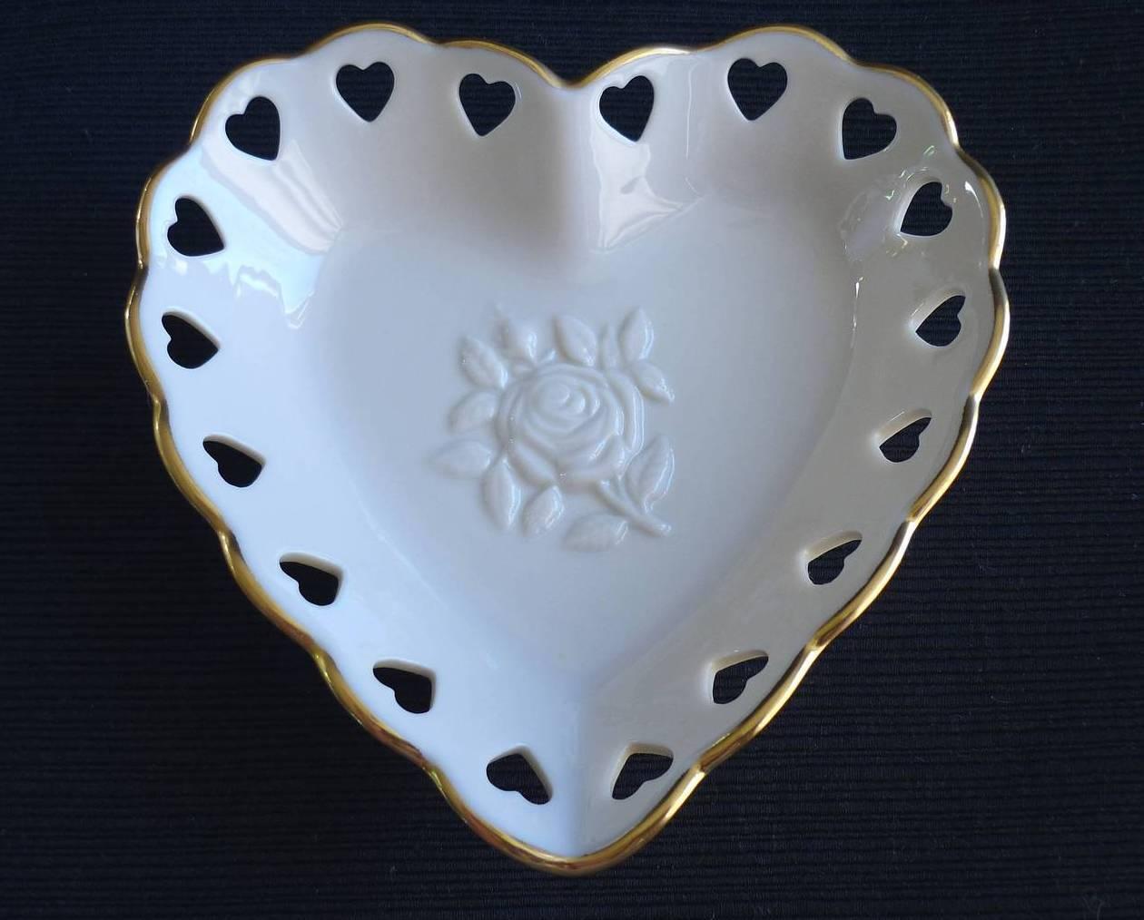 Lenox heart dish 1