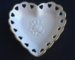 Lenox heart dish 1 thumb155 crop