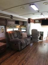 2005 Winnebago Journey FOR SALE IN Wichita, KS 67212 image 3