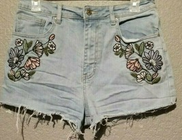 forever 21 Los Angeles Embroidered cut off shorts size 27 - $14.70