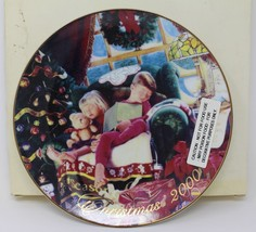 "Avon Christmas Dreams 2000 Porcelain Plate 8"" 22K Gold Trim-  Mike Wimmer - $6.48"