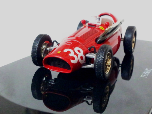 Ferrari 553 F1 Supersqualo #38 Winner GP Spain Pedralbes 1954 M. Hawthorn 1/43 D