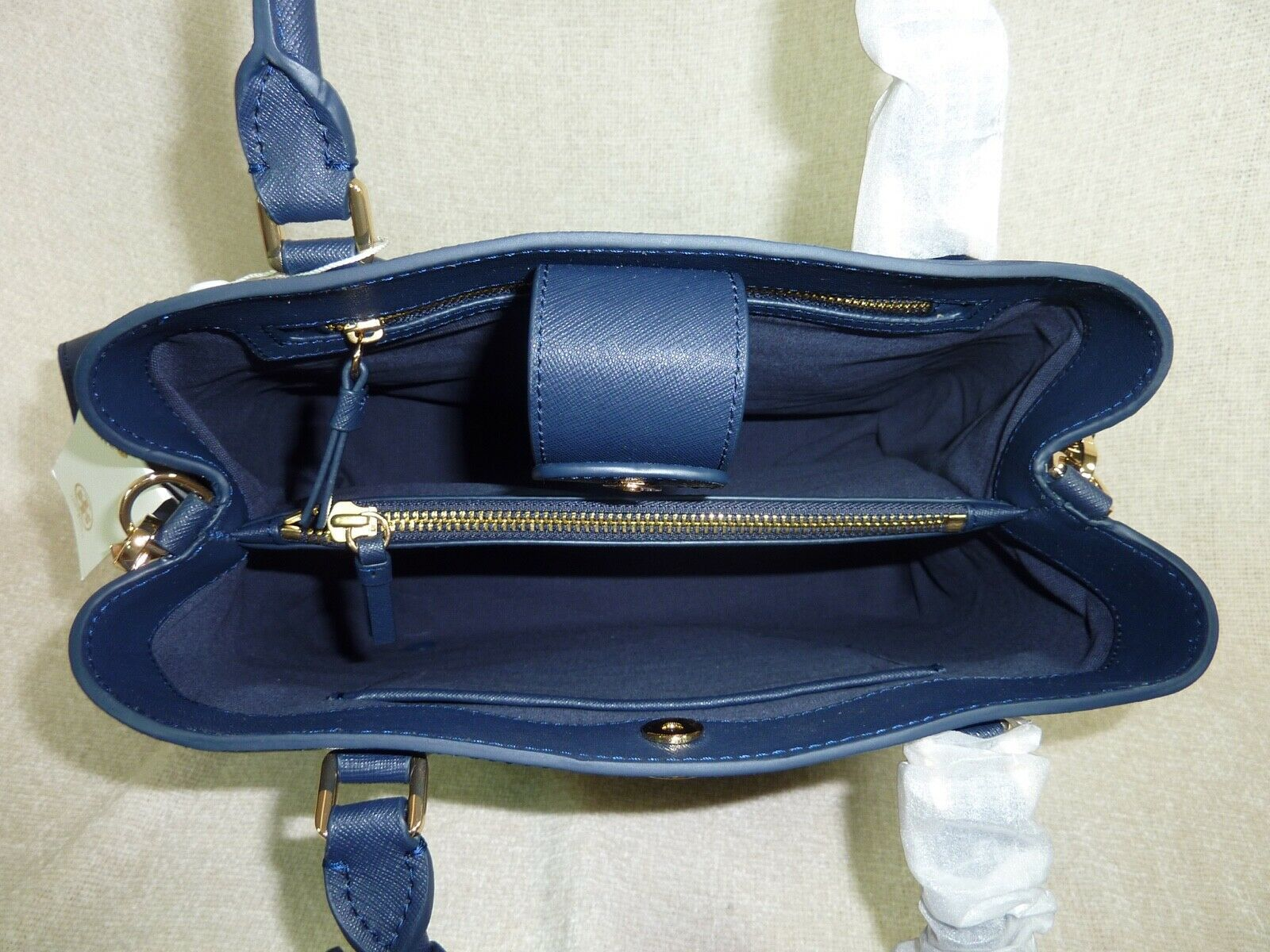 NWT Tory Burch Navy Saffiano Leather Robinson Triple-compartment Tote $458 image 8