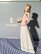 Lladro 01007644 Innocence In Bloom New Retired Society Exclusive - $245.52