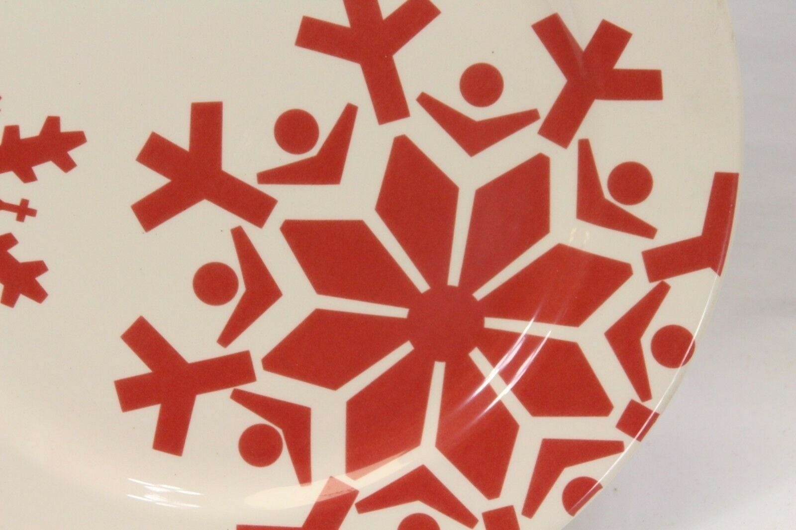 "Canterbury First Frost Red Snowflake Xmas Dinner Plates 10.75"" Lot of 8 image 3"