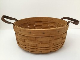 Vintage Longaberger Round Basket With Leather Handles 1995 - $15.10
