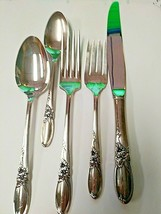 Community by Oneida White Orchid Silver Plated Flatware Five Piece Place Setting - $14.89