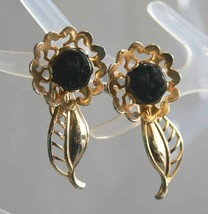 Mid Century Modern Flower Black Glass Gold-tone Screw-on Earrings 1950s ... - $12.30