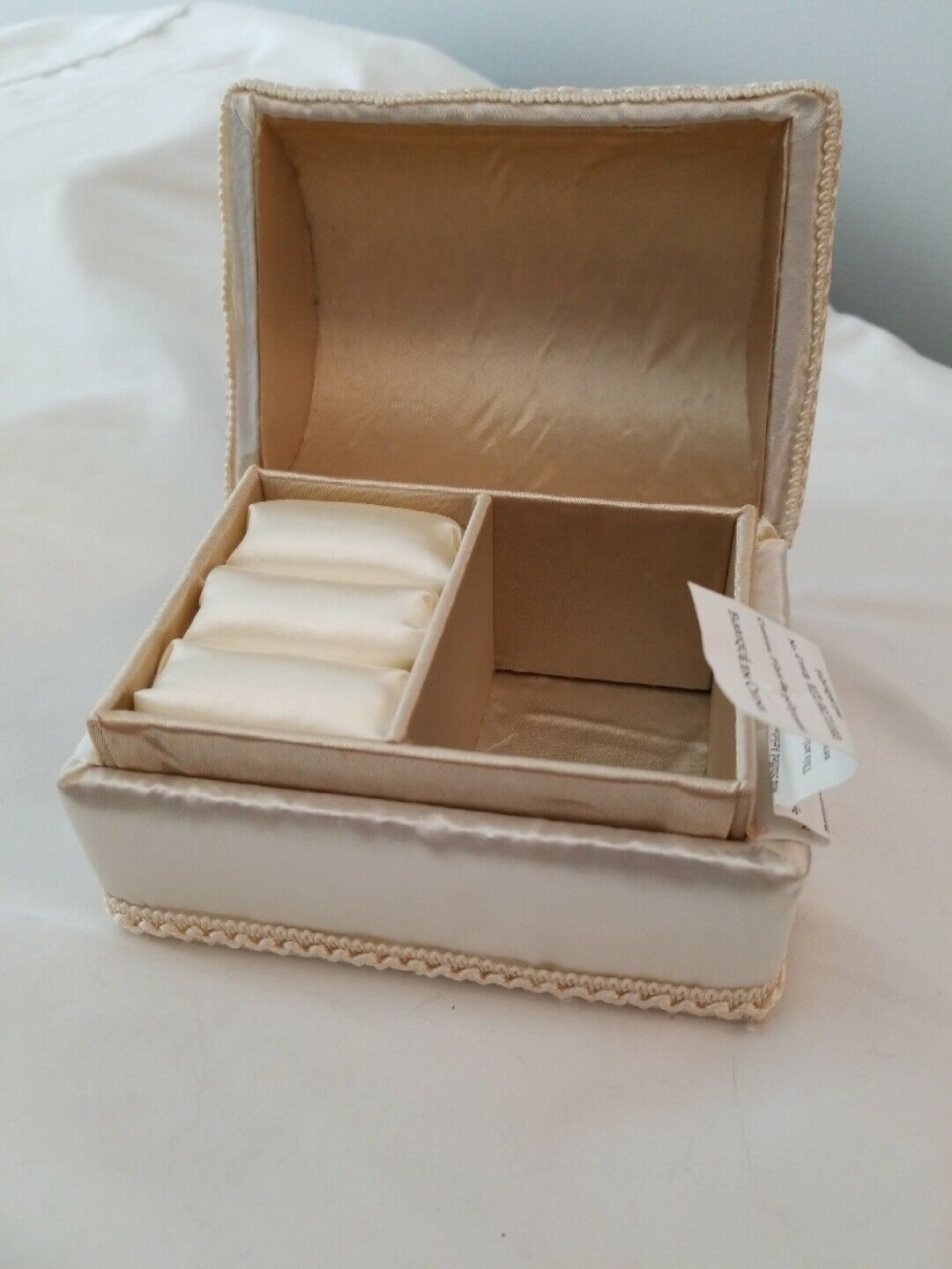 Primary image for Popular Creations Wedding Padded Jewelry Box - Ivory with Box
