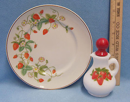Vintage 1978 Avon Strawberry Plate 22K Gold Rim & Avon Bath Foam Bottle ... - $15.04