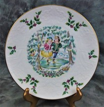VINTAGE ROYAL DOULTON  1ST SERIES CHRISTMAS PLATE W/ICE SKATERS FROM 1977 - $14.99