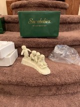 RETIRED Dept. 56 Snowbabies I'M RIGHT BEHIND YOU Figurine Set in Box #68527 - $16.00