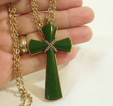 AVON JADE Green JULIETTE CROSS Pendant Chain Necklace Gold Plated Vintag... - $14.80