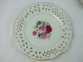 """Vintage White Porcelain Victorian Red Pink Roses 10"""" Plate Formalities B... - $14.26"""