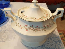 Johnson Bros Soup Tureen White Porcelain With Lid Vintage Made In England   - $59.40