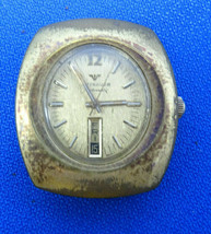 Wittnauer Hi Beat 28800 D11AE 17 Jewel Auto Watch Runs And Stops For Restoration - $195.00