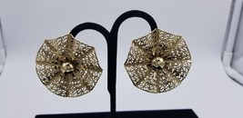 Vintage Emmons Big & Wide Gold Tone Open Floral Web Clip On Earrings EUC - $29.02