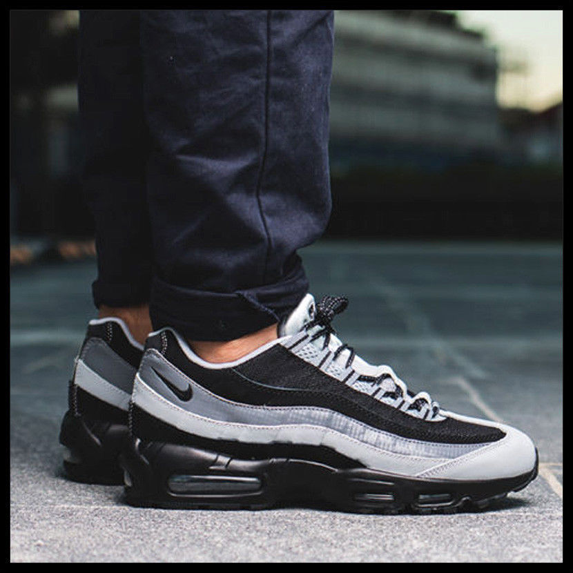5791310031 NIKE AIR MAX 95 ESSENTIAL OG BLACK/WOLF GREY SIZE 10.5 BRAND NEW (749766