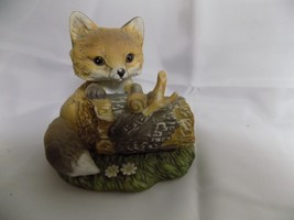 VINTAGE HOMCO MASTERPIECE PORCELAIN RED FOX ON TREE LOG FIGURINE SNAIL 1986 - $27.77