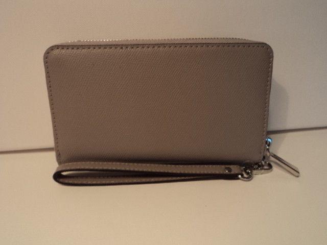 95ee7f0c4759 Michael Kors Large Flat Multifunction Phone Case Leather Zip Wallet Pearl  Grey