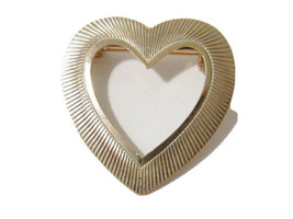 Vintage Gold Tone Ridged Textured Open Heart Brooch Pin Unsigned - $6.99