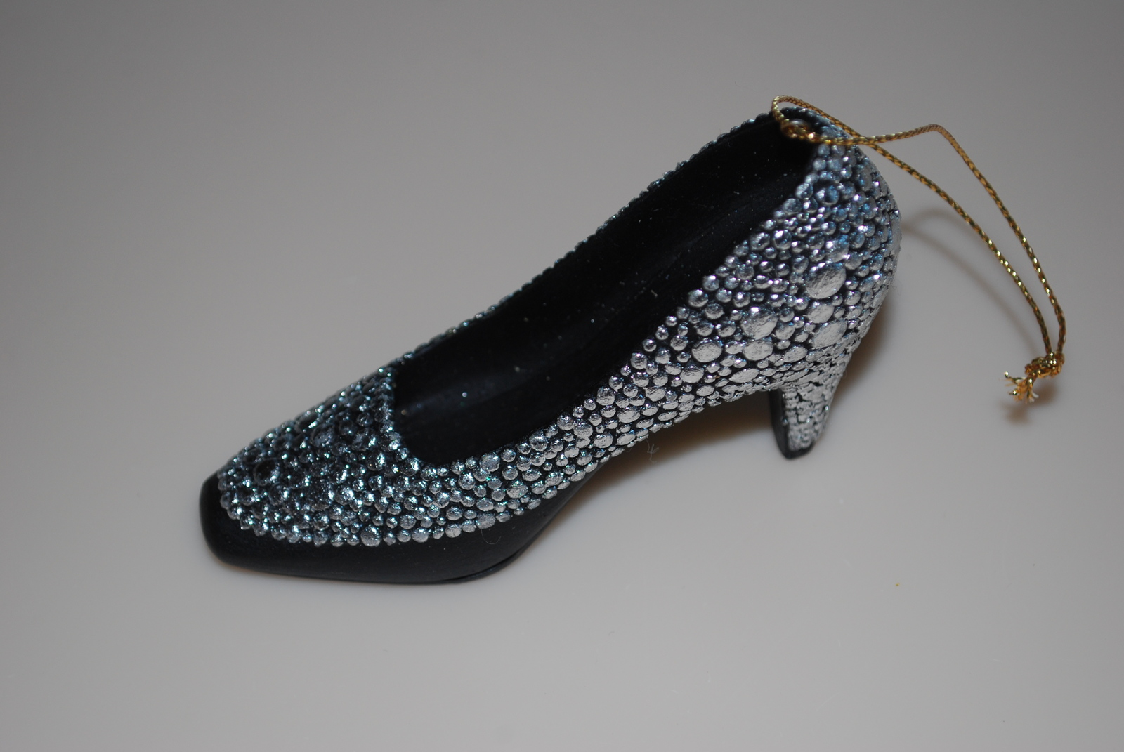 Metropolitan Museum of Art MMA Christmas Shoe Ornament 2011 Silver Heel