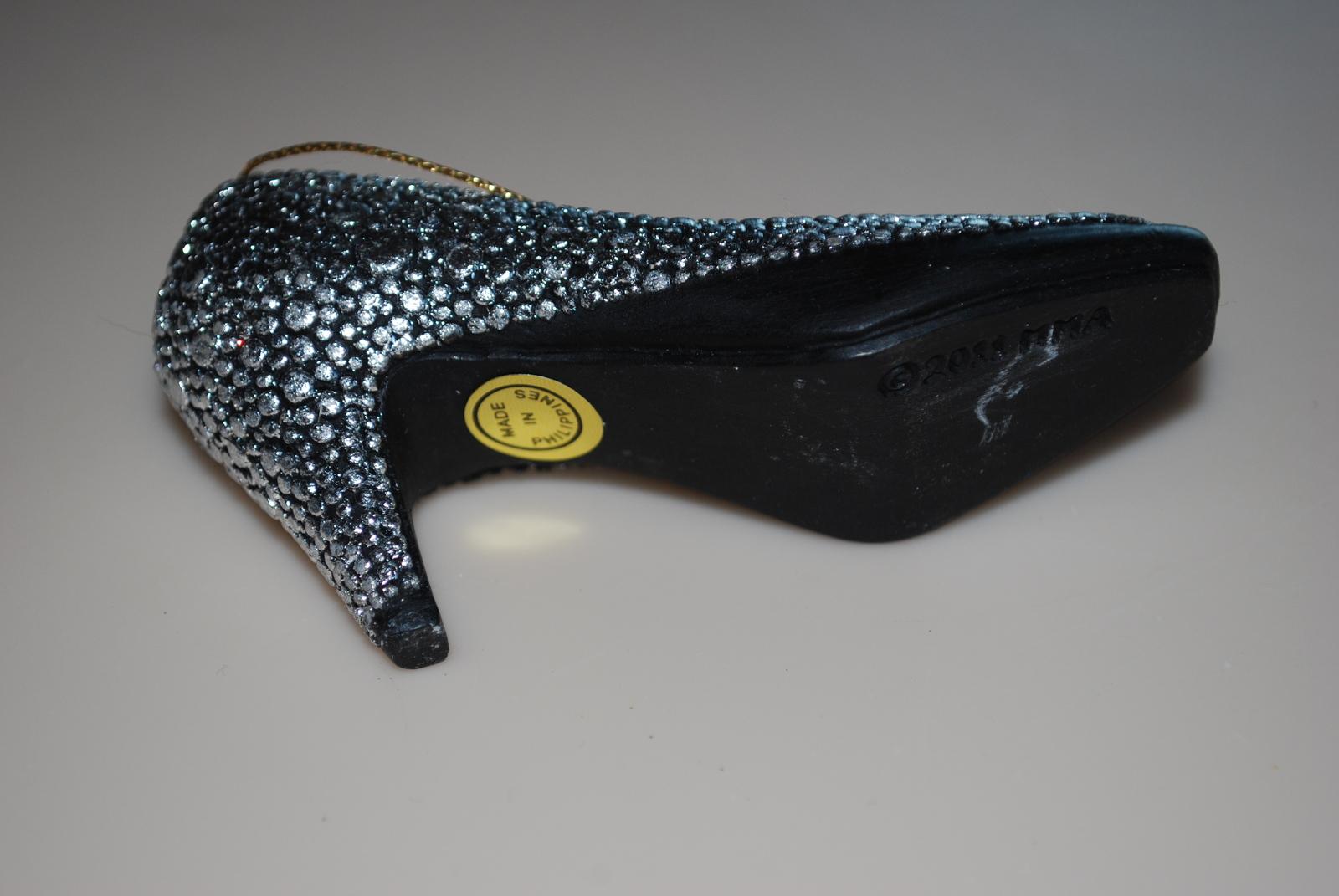Metropolitan Museum of Art MMA Christmas Shoe Ornament 2011 Silver Heel