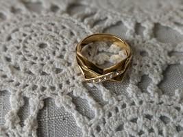 Avon Designer Signed Sparkle Kiss Rhinestone Ring Size 8 image 2