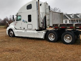 2005 Freightliner Semi For Sale In Benson, NC 27504 image 2