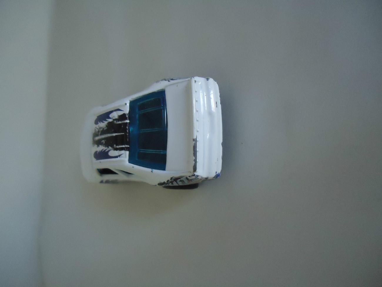 HOT WHEELS 1996 M.I. GREAT WHITE RACING  Carris