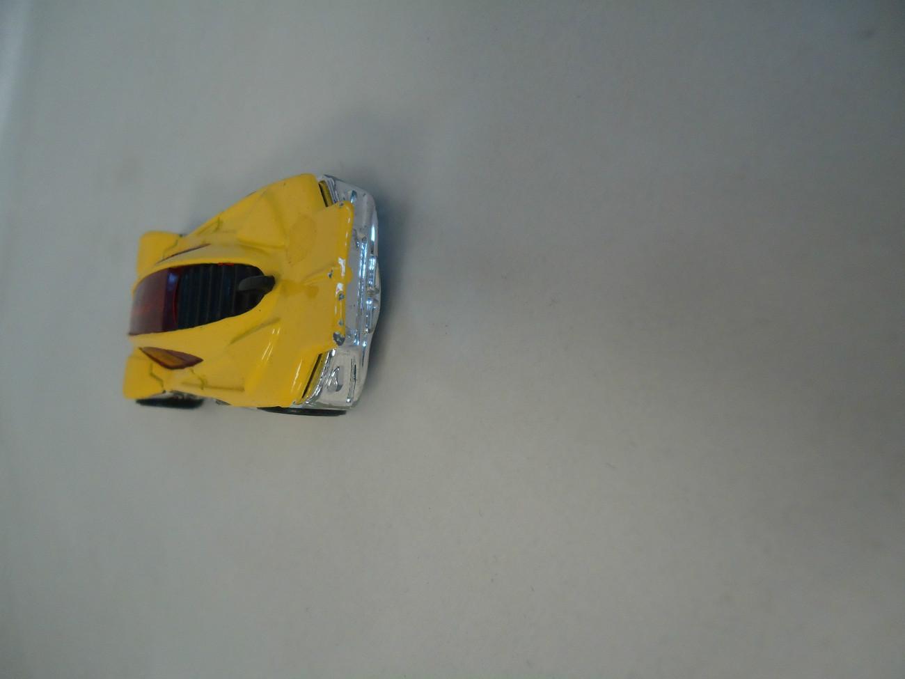 Hot Wheels Side Draft 2001 Mattel Yellow