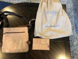 ARTELUSA CORK 2 Tone Purse with Corkor wallet image 3