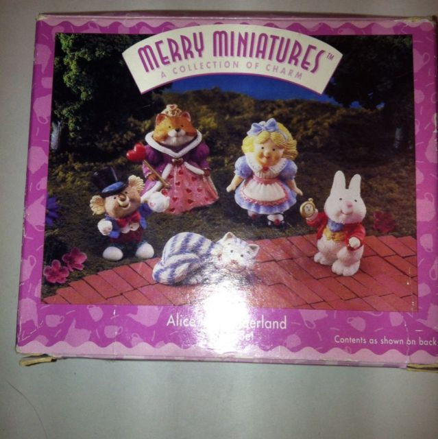 Hallmark Merry Miniatures 1996 Alice in Wonderland Set