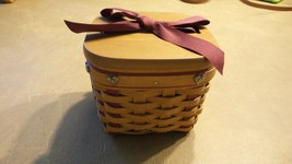 Longaberger 2002 Sweetest Gift Basket w/protector and lid - $37.61